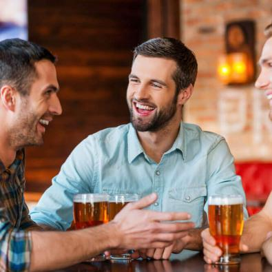 friends-having-drinks-at-a-bar